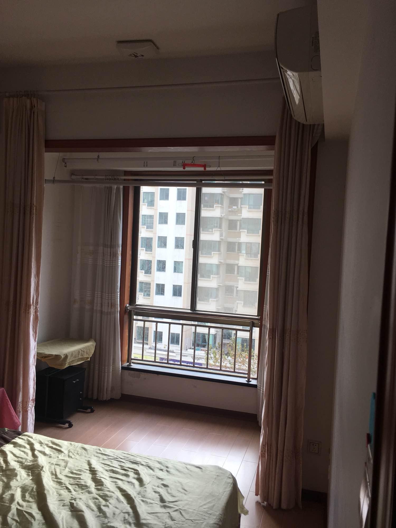 普惠大厦两室三厅出租