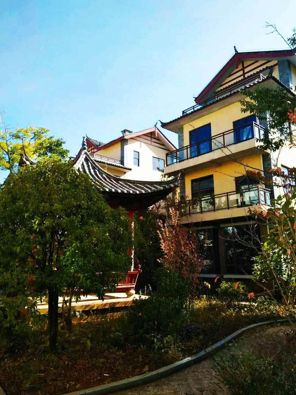 三面采光 精装公寓44平 送8平休闲观景阳台