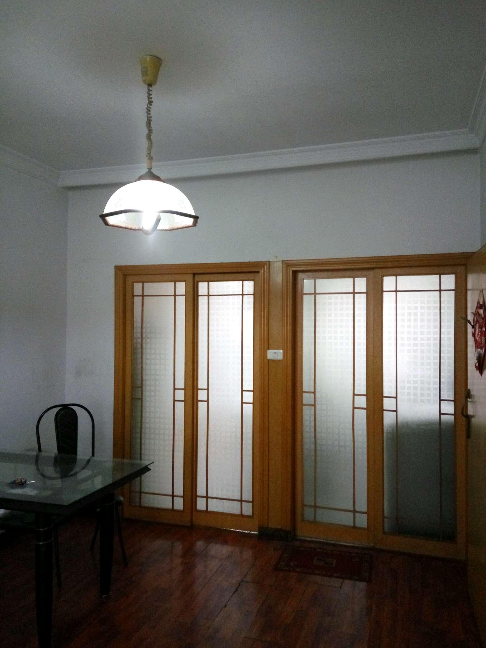 消防路精品房二室一厅一卫百事齐全太阳能热水拎包入住