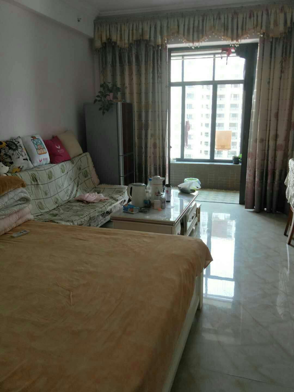 东汇城高档公寓出售