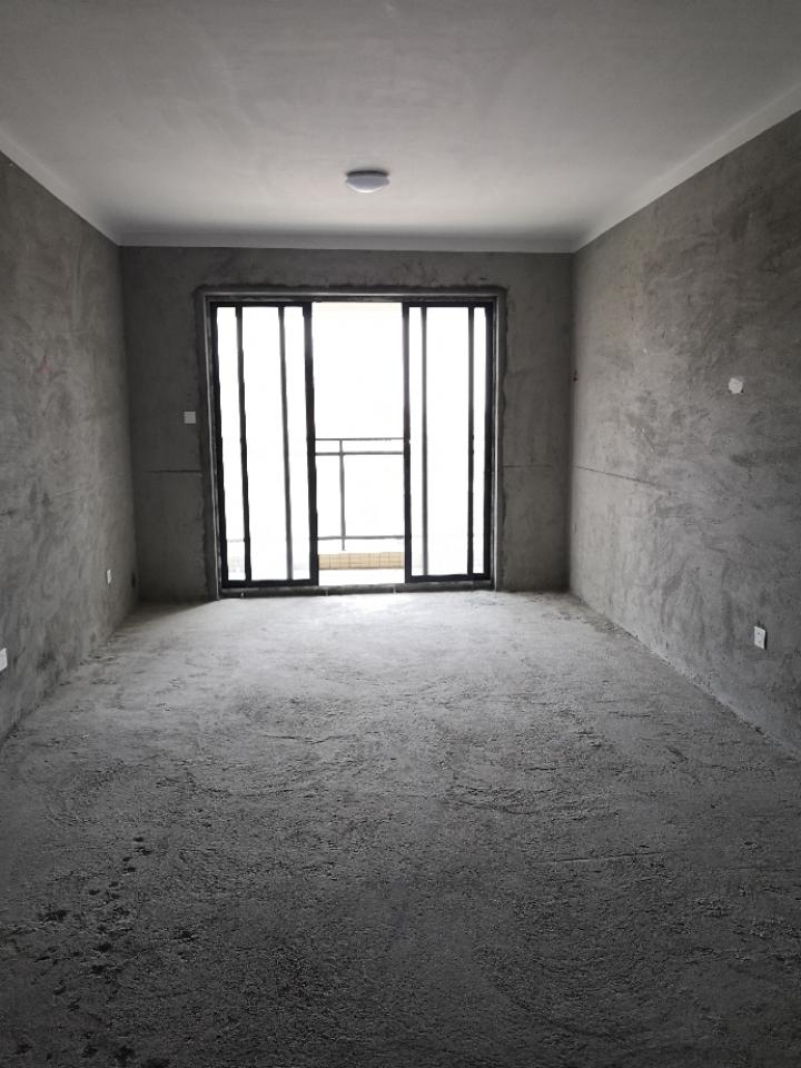 笋盘3房1厅2卫