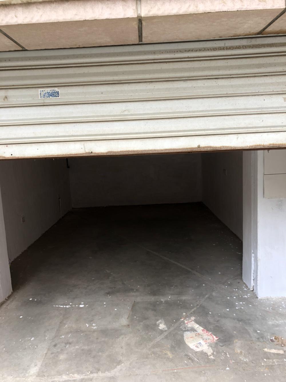 仓库,可放公司里的货物等每月租金900元,年付