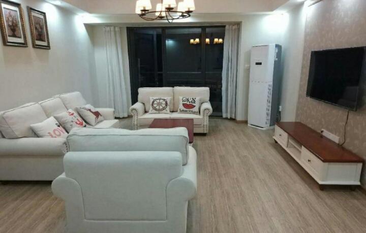 尚锦城精装一室一厅,家具家电齐全,全天采光