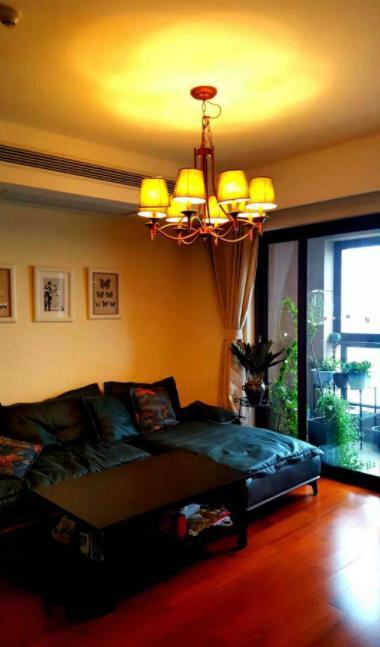 家具家电齐全 楼层低 价位低 交通便利