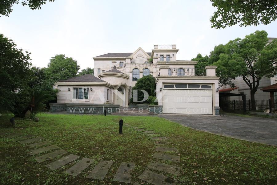 独栋庄园式别墅,住在花园里,精装修保养佳,诚意出售