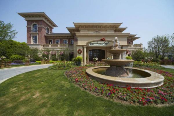 法式独栋别墅,岛屿庄园 豪华装修,5房3厅,超大花园