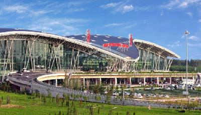济南机场多个重点项目开建 两年半后下了飞机就进酒店