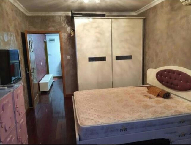 西景茗苑 精装修一室一厅一卫 家电齐全 拎包入住 环境优