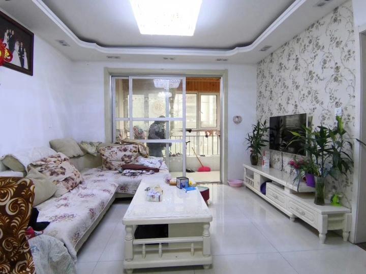 清华德赛国际公寓 3室2厅1卫 85万元