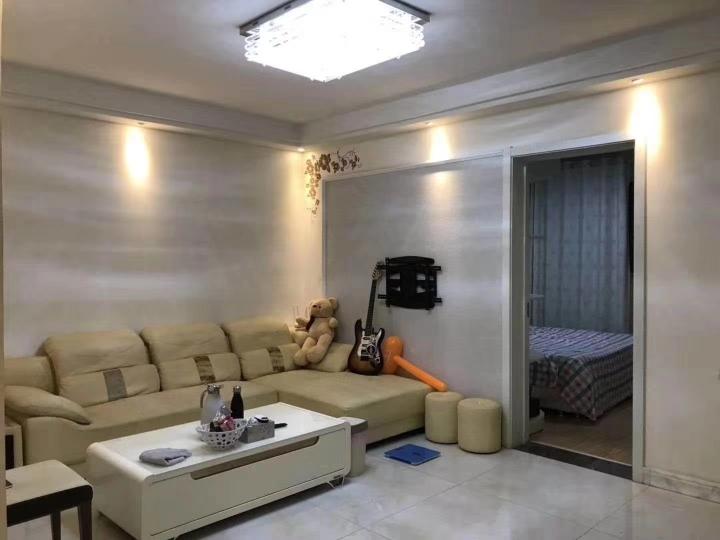 清华德赛国际公寓 2室2厅1卫 80万元