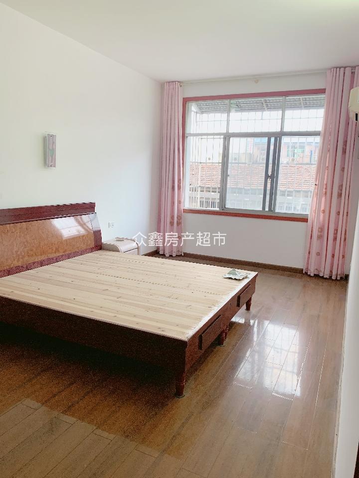 嘉御园 3室2厅2卫 43万元