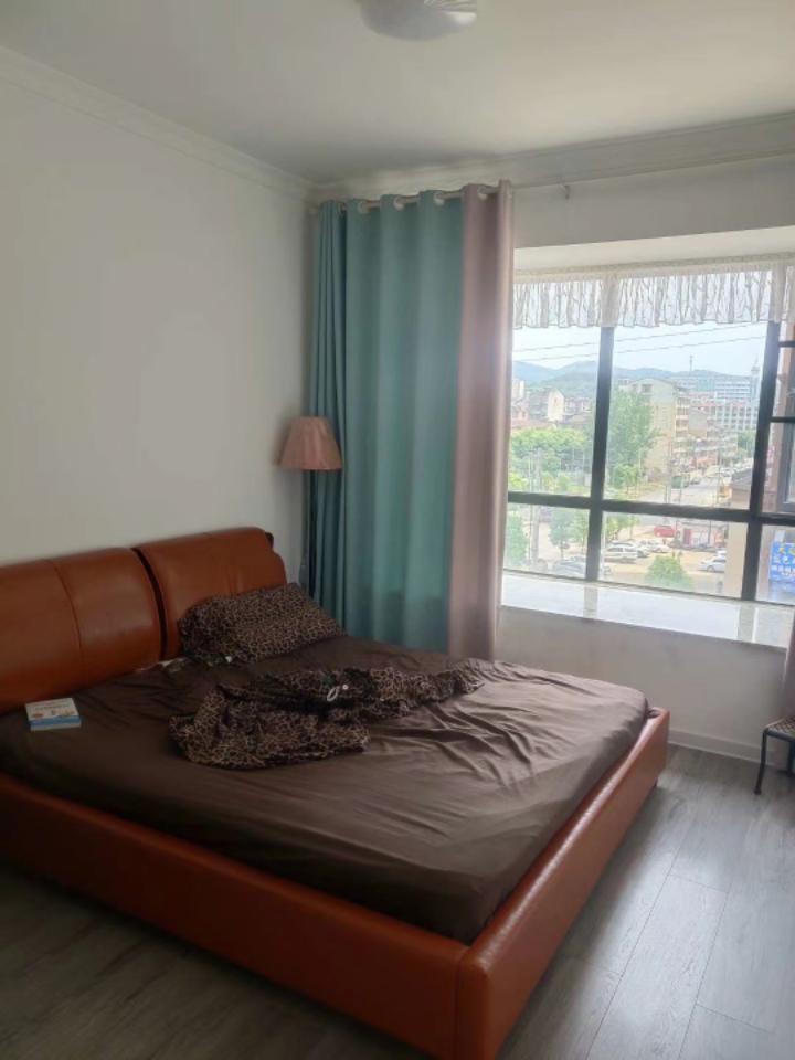 雍景新城 3室2厅2卫 68.8万元